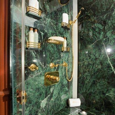 Queen D Yacht Master Shower