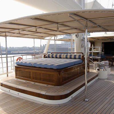 Athena Deck Sunpads & Dining