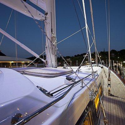 Ree Yacht