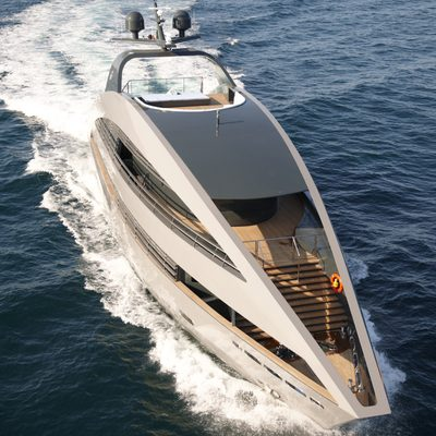 Ocean Pearl Yacht Running