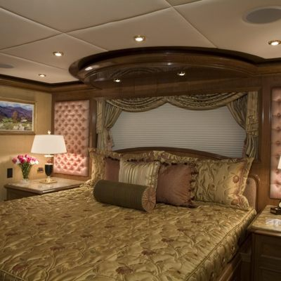 Aquasition Yacht Guest Stateroom