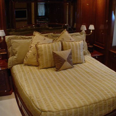 Aura Yacht Stateroom