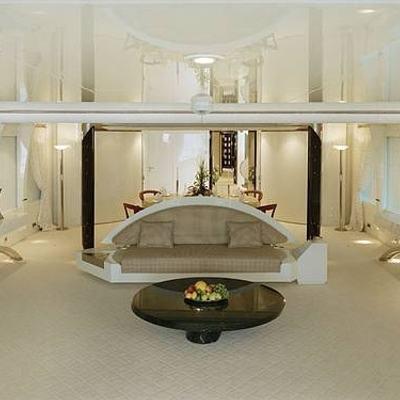 Vera Yacht Salon