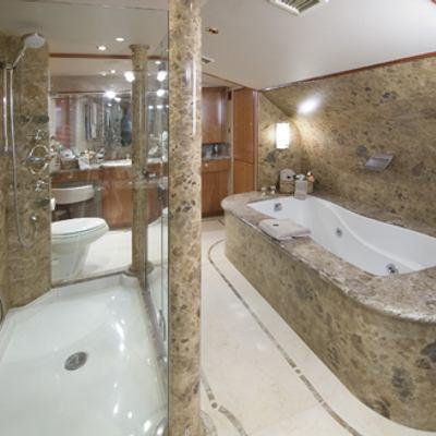 Serengeti Yacht Master Bathroom