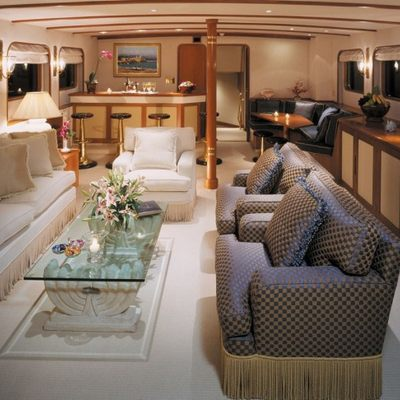 The Goose Yacht Main Saloon