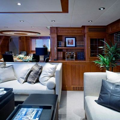 Sunny Hill Yacht Salon - Side View