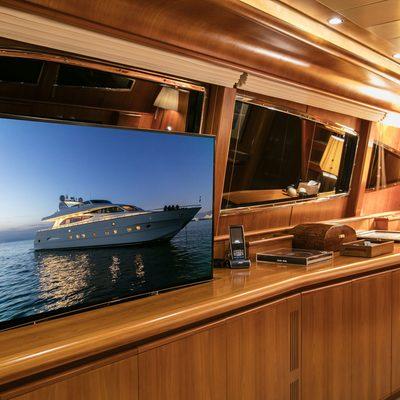 Vyno Yacht