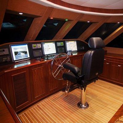 Liquidity Yacht Pilothouse