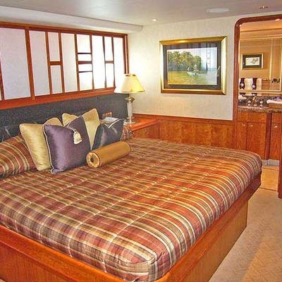 Arms Reach Yacht Guest Stateroom