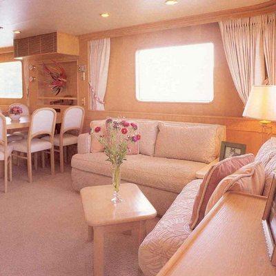 Lady Rose Yacht Salon & Dining