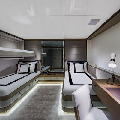 Liquid Sky Yacht Twin Cabin with Pullman Bed
