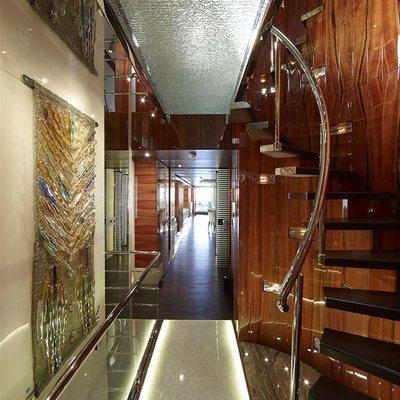 E & E Yacht Hallway