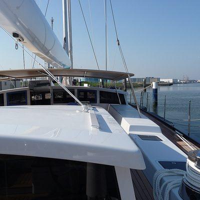 G2 Yacht Exterior