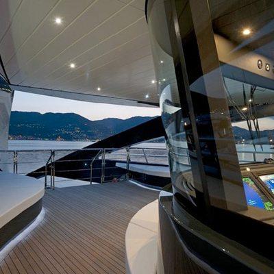 Ocean Emerald Yacht View into Bridge