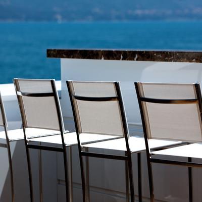Zaliv III Yacht Bar Seating