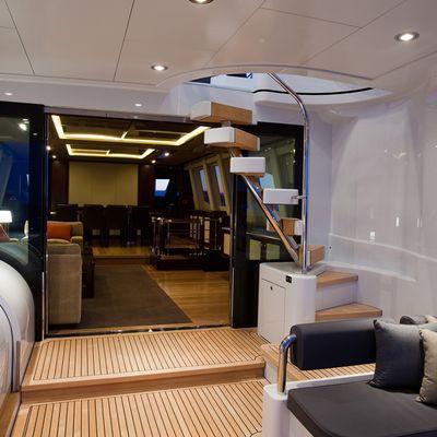 Quantum Yacht View Inside