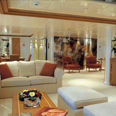 Elegant 007 Yacht Main Salon