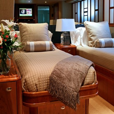 Endless Summer Yacht Twin Stateroom