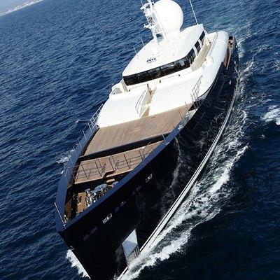 Galileo G Yacht Running Shot - Front