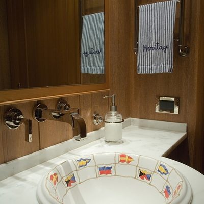 Heritage Yacht Bathroom - Detail