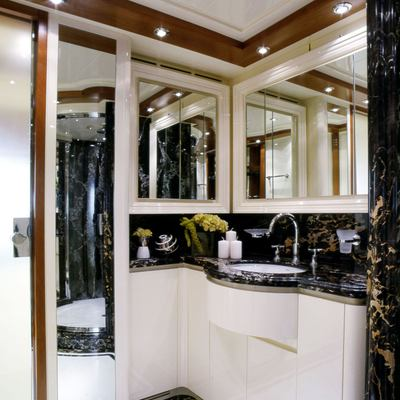 Bunker Yacht VIP Bathroom