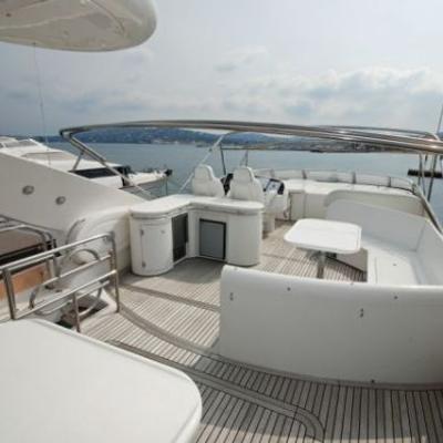 Lady Esther Yacht Fly bridge