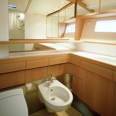 Viriella Yacht Bathroom