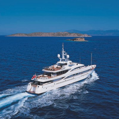 Lou Spirit Yacht Rear View