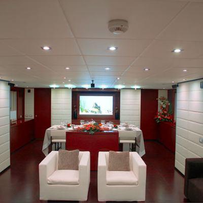 Annamia Yacht Dining & Salon