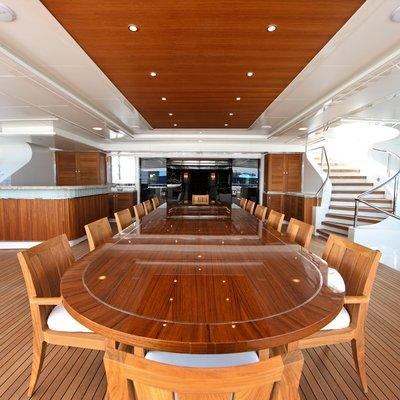 Seanna Yacht Aft Deck Dining