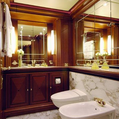 Athena Yacht Private Bathroom