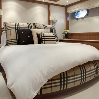 Jo Yacht Burberry Guest cabin