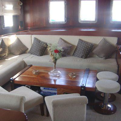 Gem Yacht Salon - Seating