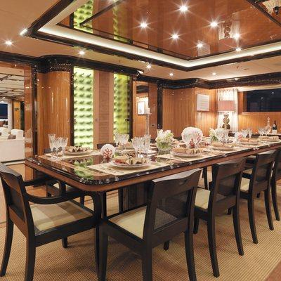 Meamina Yacht Interior Dining