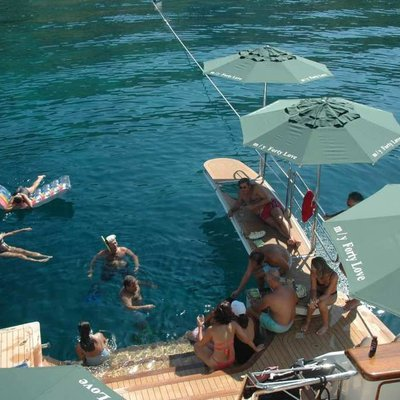 Forty Love Yacht Playtime