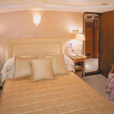 The Goose Yacht Port Guest Stateroom