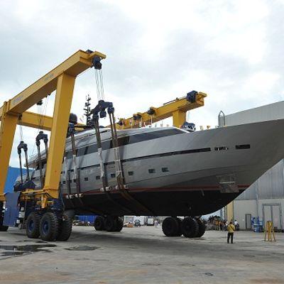 Tesoro Yacht Dry Dock