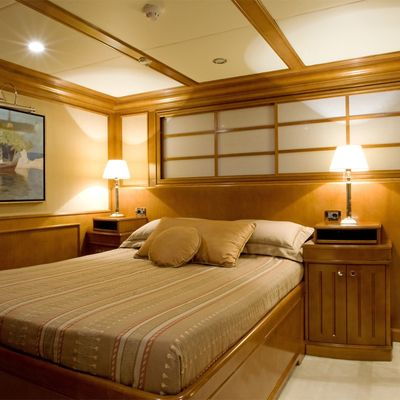 Lou Spirit Yacht Neutral Stateroom