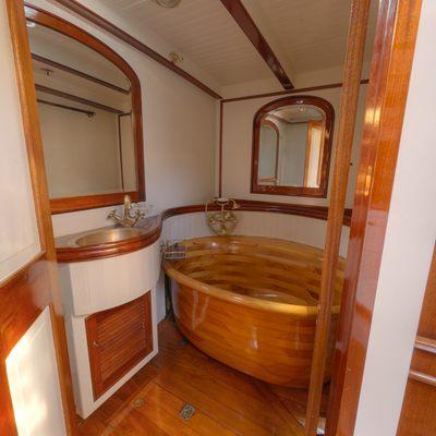 Whitefin Yacht