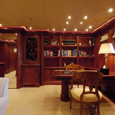 Athena Yacht Private Study