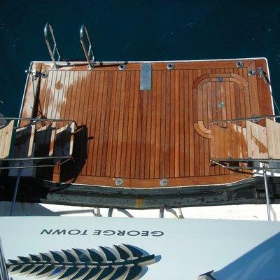 Palm B Yacht Swim Platform