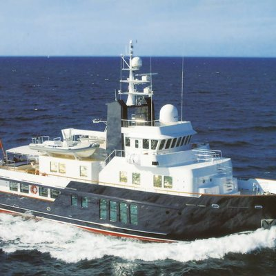 RH3 Yacht Running