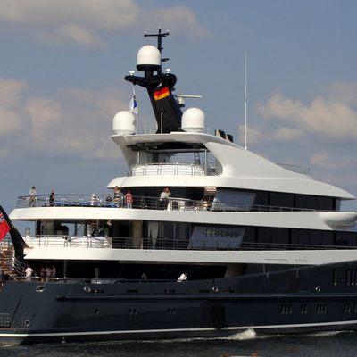 Phoenix 2 Yacht
