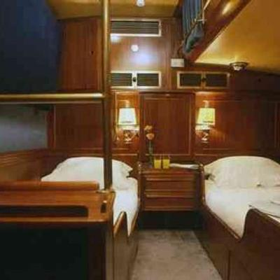 Aiglon Yacht Twin Stateroom