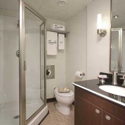 Global Yacht Private Bathroom