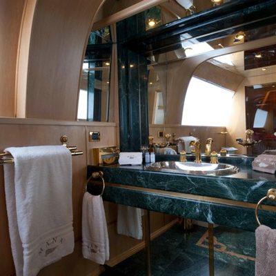 Palm B Yacht Master Bathroom