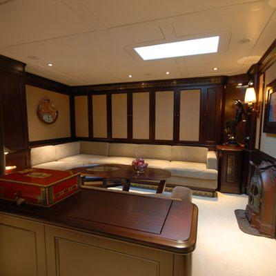 Gweilo Yacht Salon