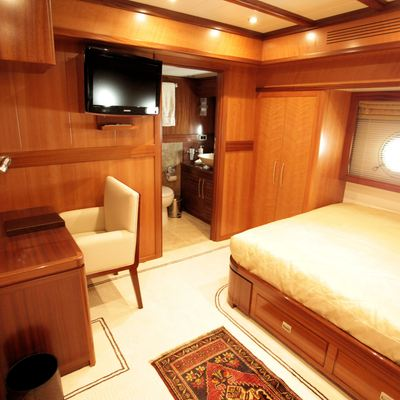 Don Chris Yacht