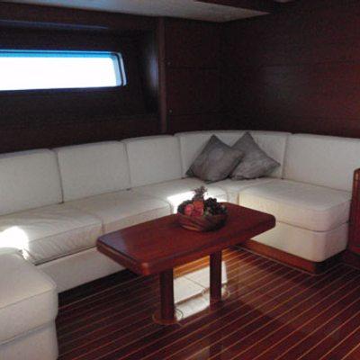 Muzuni Yacht
