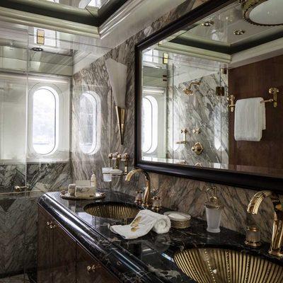 Liberty Yacht Black Guest Bathroom